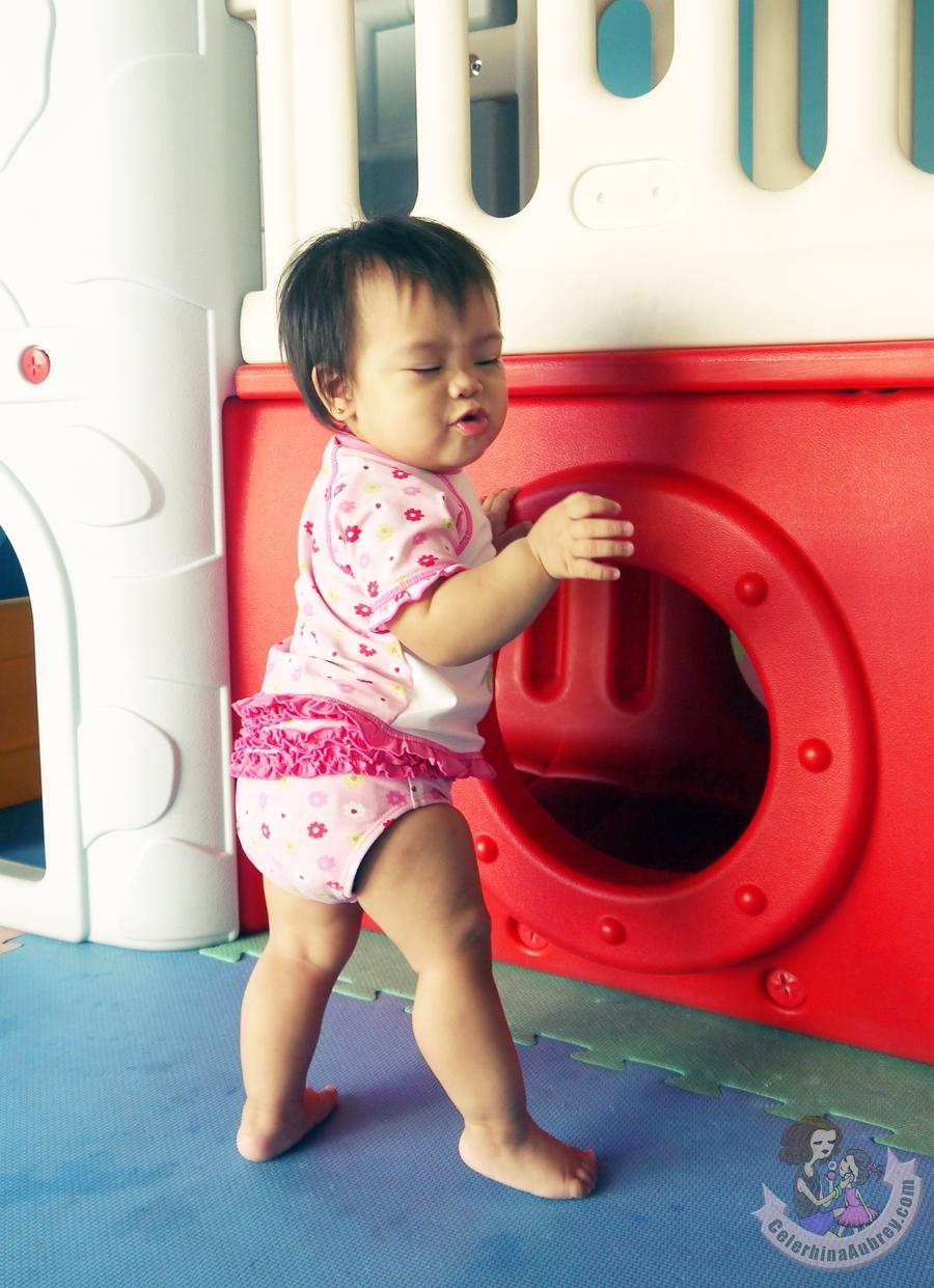 Target-Baby-Swimsuit-Girls (1)