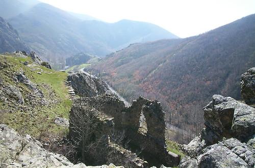 Castillo de Curueño sobre Nocedo