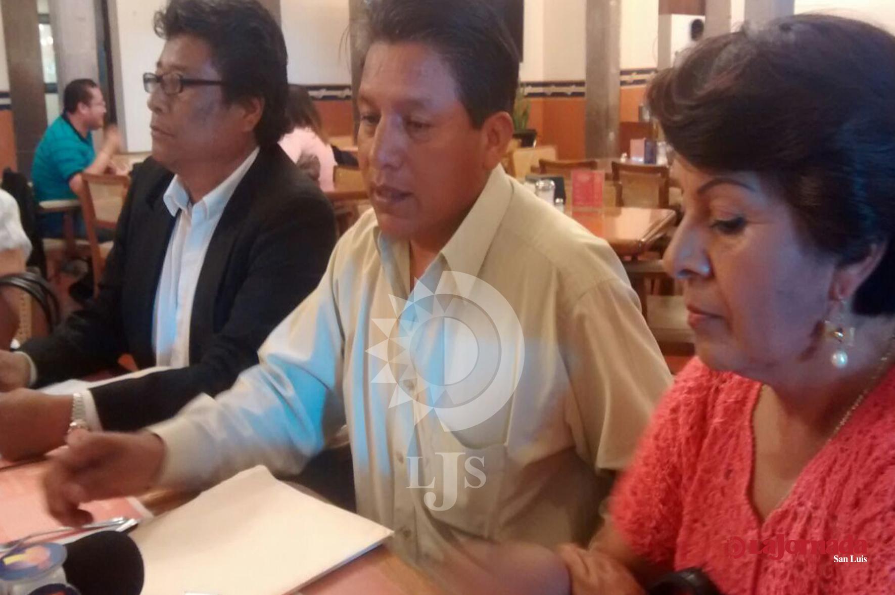 """Acuerdo de autoridades y SNTE por caso Telesecundarias """"una artimaña política"""" denuncian inconformes"""
