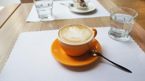 高雄排排饡排排讚!米蘭炸牛排在台灣也吃得到-百元套餐摩卡咖啡
