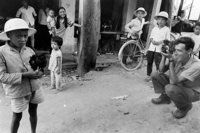 Lộc Điền, HUẾ 1965 - by Bill Eppridge