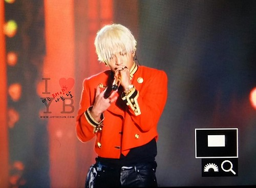 Taeyang-MelOnAwards2014_1-19