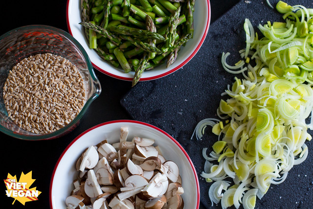 Farro with Asparagus, Leek and Mushroom
