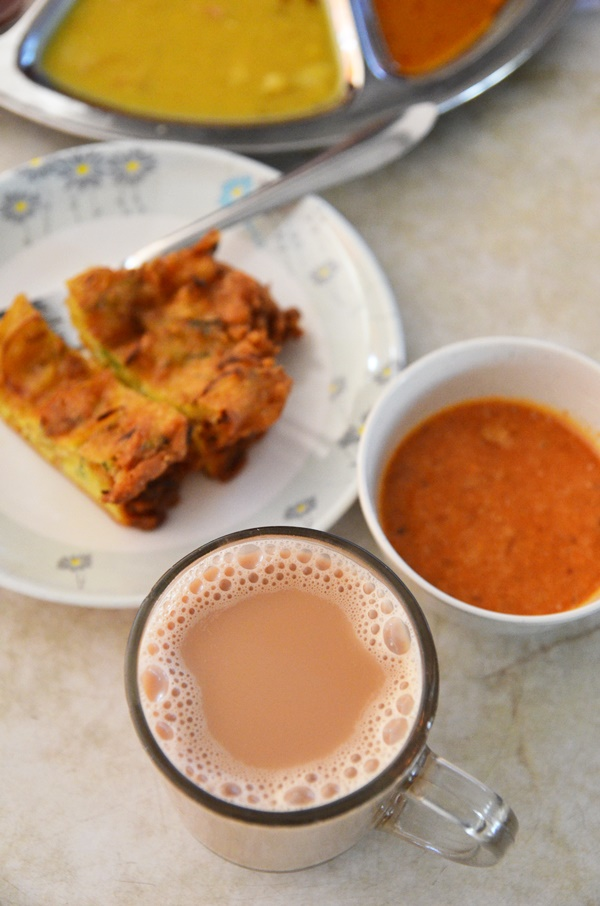 Teh Tarik and Cucur Bawang