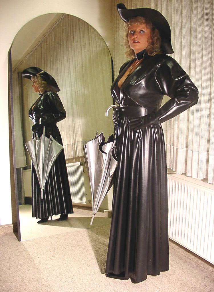 Latex heavy rubber tv roleplay 2
