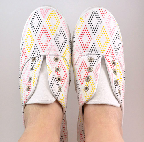 014-diamond-dot-shoes-dreamalittlebigger