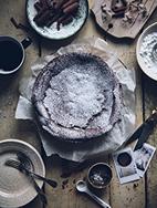 http://call-me-cupcake.blogspot.se/2014/11/kladdkaka-swedish-chocolate-cake.html#.VUCIrWY87Xl