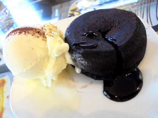 Noodle House chocolate lava cake