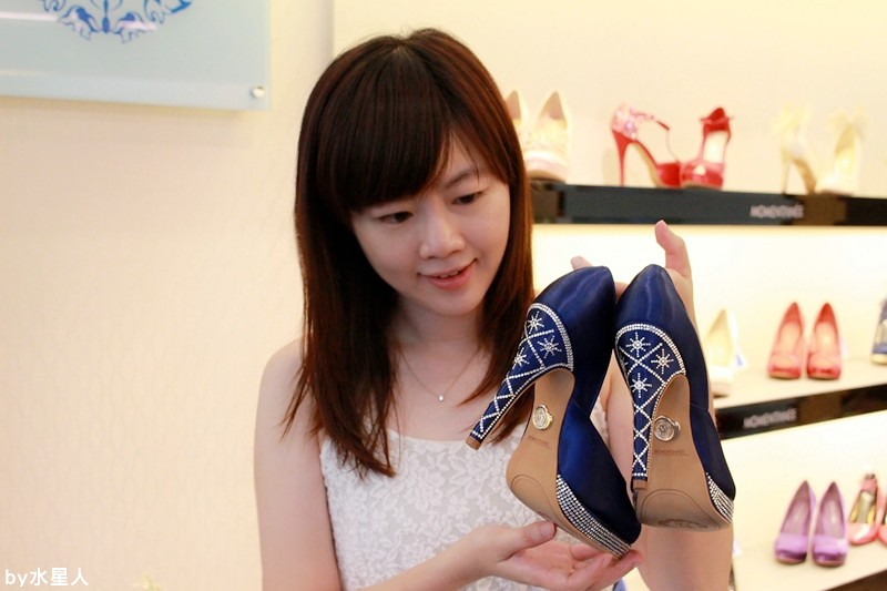 27683317824 6c2db58e43 b - 【熱血採訪】MOMENTANEE 台灣婚鞋第一品牌,高級手工訂製鞋款,婚紗鞋/伴娘鞋/晚宴鞋