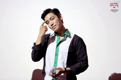 TOP-HQs-StageGreeting-Day3-20140908(7)