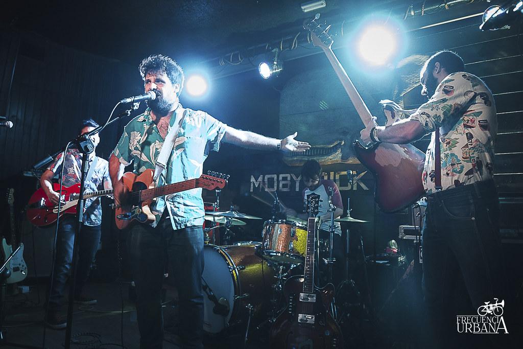 """Imágenes del concierto de Aloha Carmouna, Layabouts y Dinero para el Proyecto Leaozhnio. Sala Moby Dick, Madrid (21/3/2015).Más info aquí, <a href=""""http://wp.me/p5zdOk-2ig"""" rel=""""nofollow"""">wp.me/p5zdOk-2ig</a>"""