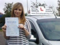 Jessica Blease passes her driving test in grimsby with 21st Century Driving