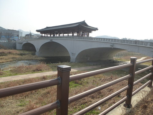 Co-Jeonju-Hanok-Pont Namcheon (3)