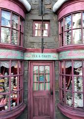 Madam Puddifoot's tea shop in Hogsmeade