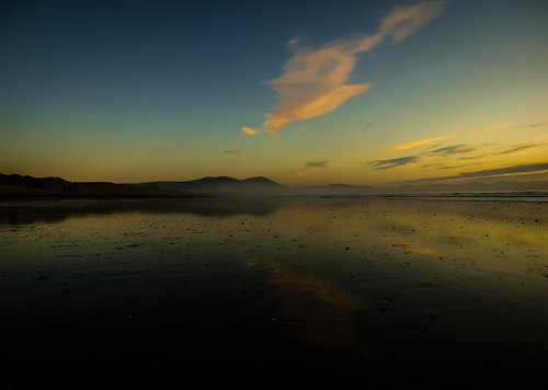 ireland sunset canon reflections march spring raw kerry 2015 landscapephotography irishlandscape bannabeach lightandcloud irishseascape slievemishmountains