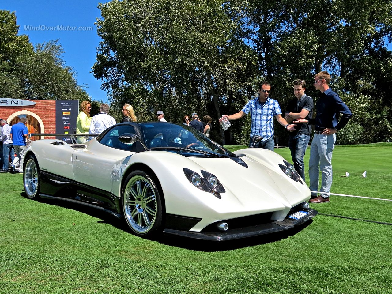 Pagani Zonda F Crowd