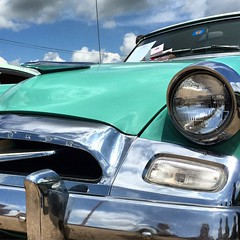 Love the lines and color on the #Studebaker Commander.