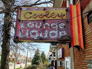 Cooley Lounge Liquor neon sign