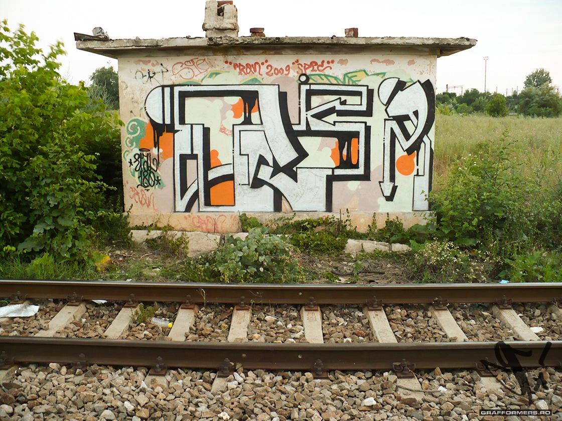 02-20130629_etal180_graffiti_painting_in_salajan-bucharest-grafformers_ro