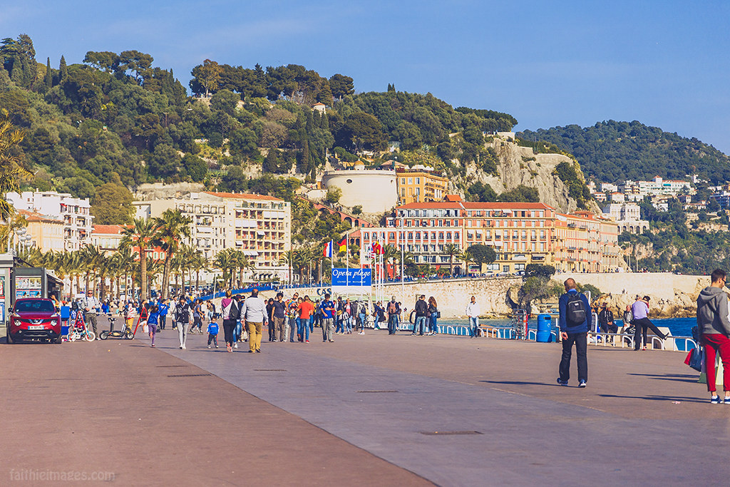 Walking on the Promenade des Anglais