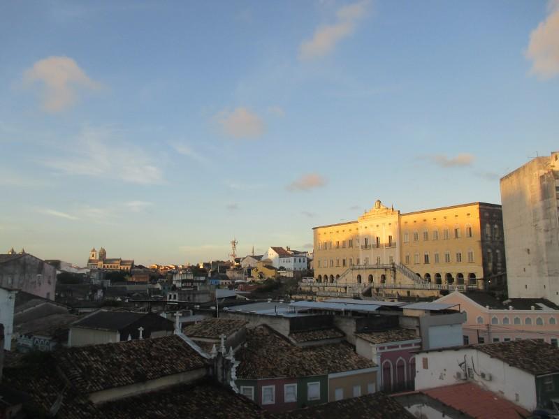 fin de journée sur Salvador. Vue sur les toits