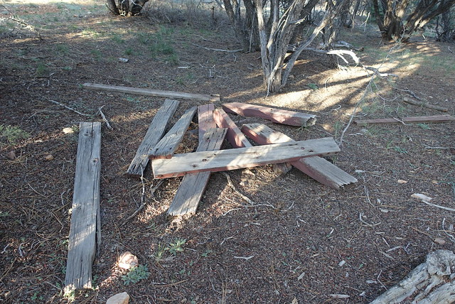 Disappointing picnic table, m276