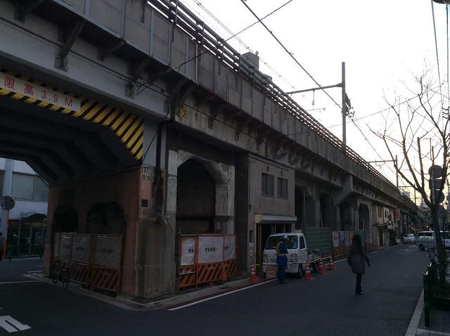 浅草橋駅高架下建築 (5)