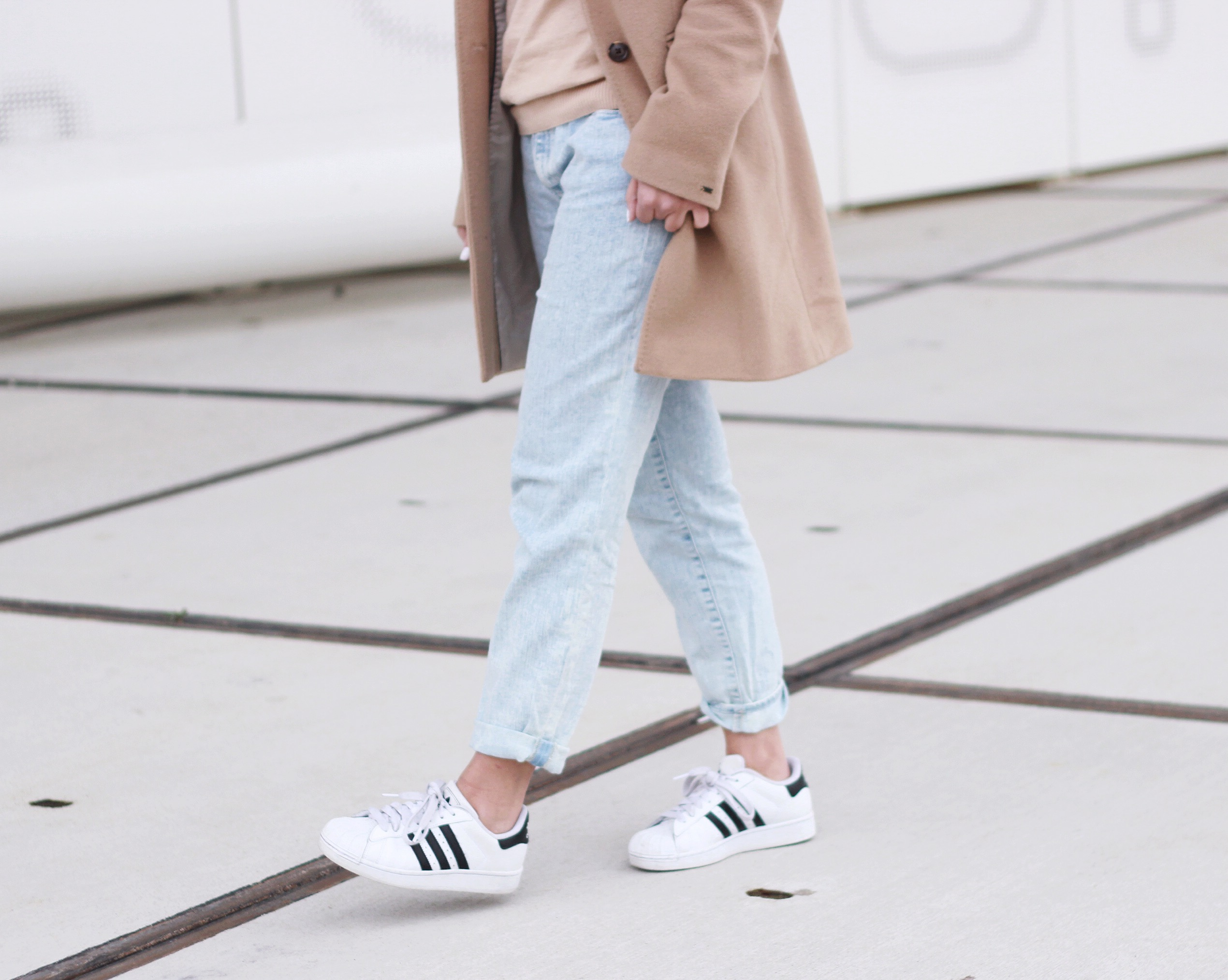 Street-style-adidas-superstar-fashion-blogger
