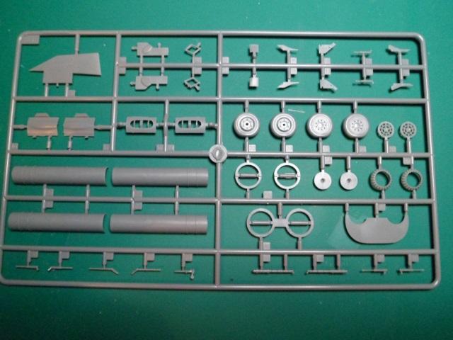 Ouvre boîte Shenyang J-8 II Finback B [Trumpeter 1/48] 16898813845_fcf2a03d48_o