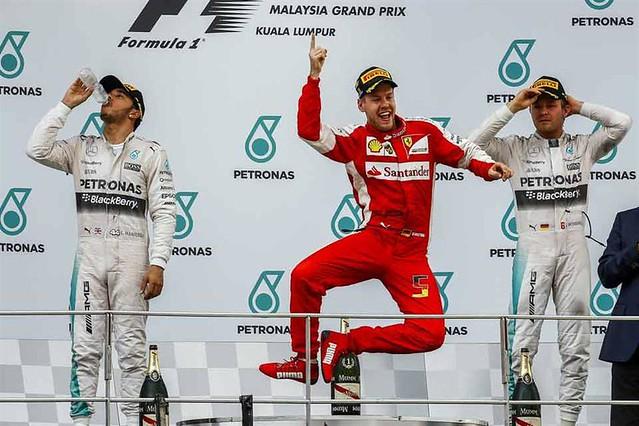 Sebastian Vettel, con Ferrari gana en Malasia