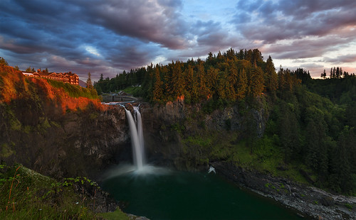 Snoqualmie Falls at Sunset (Snoqualmie, WA).