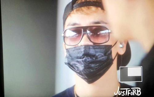 BIGBANG arrival ICN Seoul from Taiwan 2015-09-28 (8)