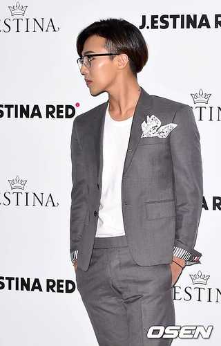 G-Dragon-JEstina-20140903(33)