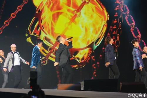 BIGBANG QQ Music Awards Shenzhen 2016-03-23 (9)
