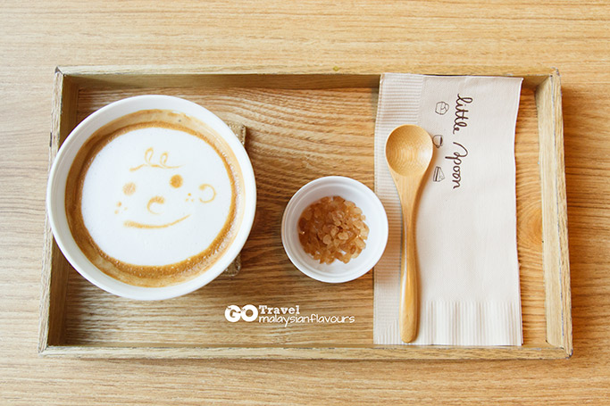 bangkok-3d2n-cafe-little-spoon-bts-asok-bangkok-smiley-latte-in-a-bowl