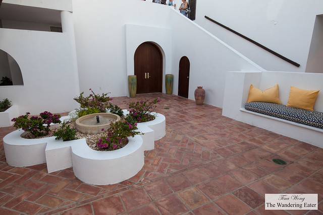 Morrocan inspired courtyard outside the Beachfront Junior Suite
