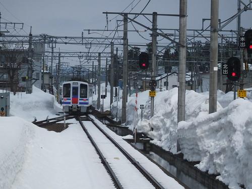 積雪期の六日町駅