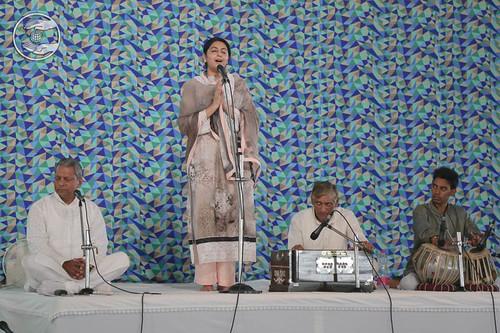 Devotional song by Preeti Nirankari from Amritsar, Punjab