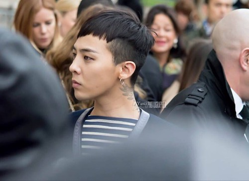 G-Dragon Chanel Haute Coutoure at Grand Palais Paris 2016-01-26 02
