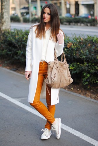 colored-skinny-jeans-and-converse