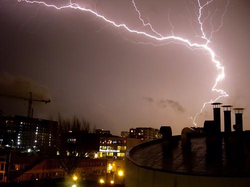 brown chicago storm weather thunderstorm lightning pw chdk canonixus80 canonpowershotsd1100