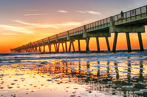 usa beach sunrise landscape nikon waves florida jacksonville atlanticocean fishingpier d300 2015 jaxbeachpier godsbeauty nikond300 rwigginphotos ronniewiggin walkingthejacksonvillebeachpieratsunrise jacksonvillebeachpieratsunrise