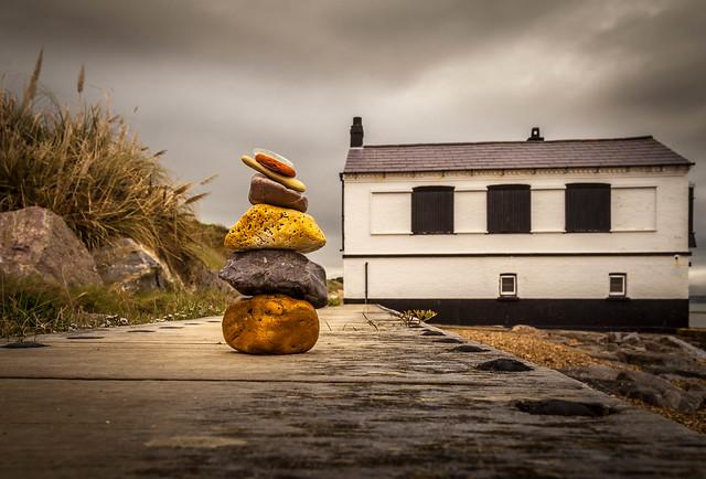 Pebble perspective or rocky relitavism