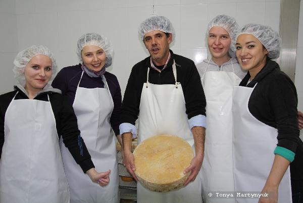 30 - Невероятные приключения москвичек в Каштелу Бранку - quinta - мастер-класс по приготовлению сыра (традиционного португальского)