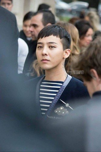 G-Dragon Chanel Haute Coutoure at Grand Palais Paris 2016-01-26 05