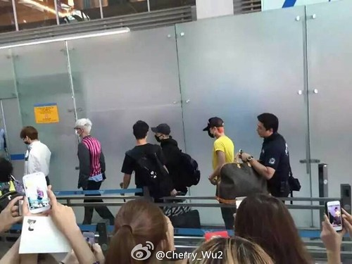 more BIGBANG arrival Shenzhen 2015-08-07 (3)