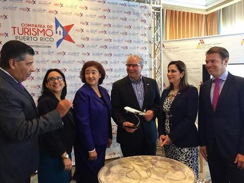 Anuncio de nueva conexión aérea entre México y Puerto Rico