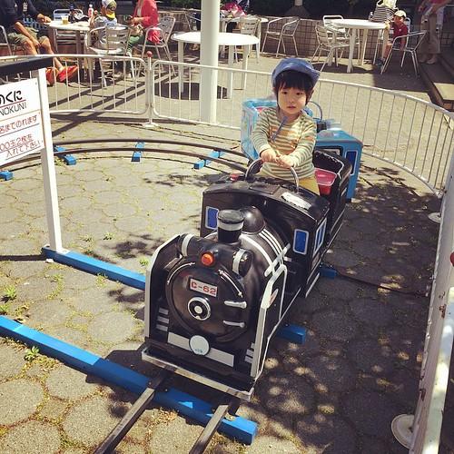 アンパンマンショーがあるというので、あらかわ遊園に来てみた(*^^*)