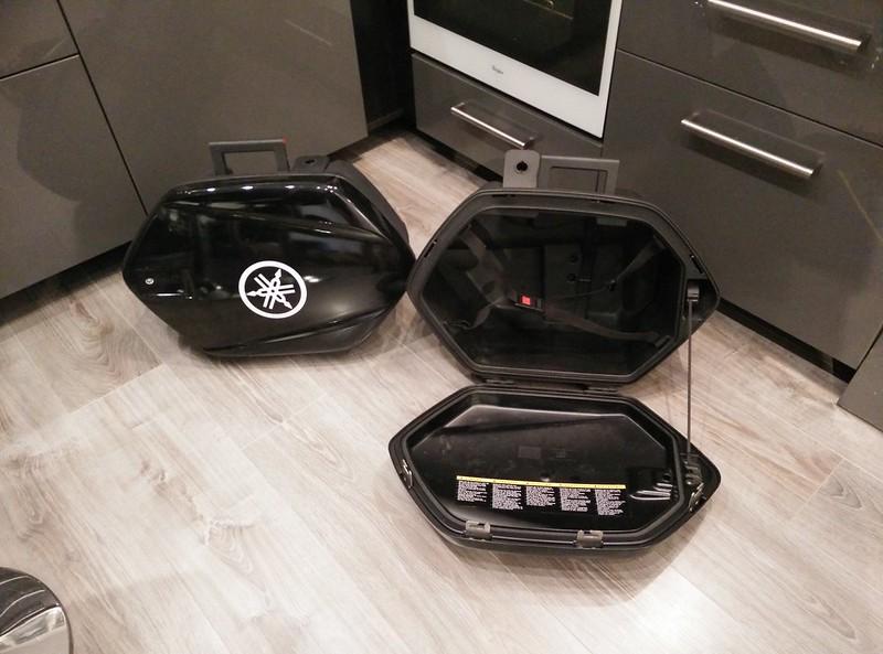 Montage de valises rigides Yamaha City (TDM/FJR) 16899999596_dda918405b_c