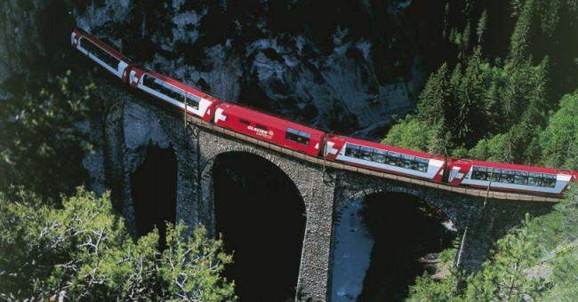 Panoramatické vlaky ve Švýcarsku